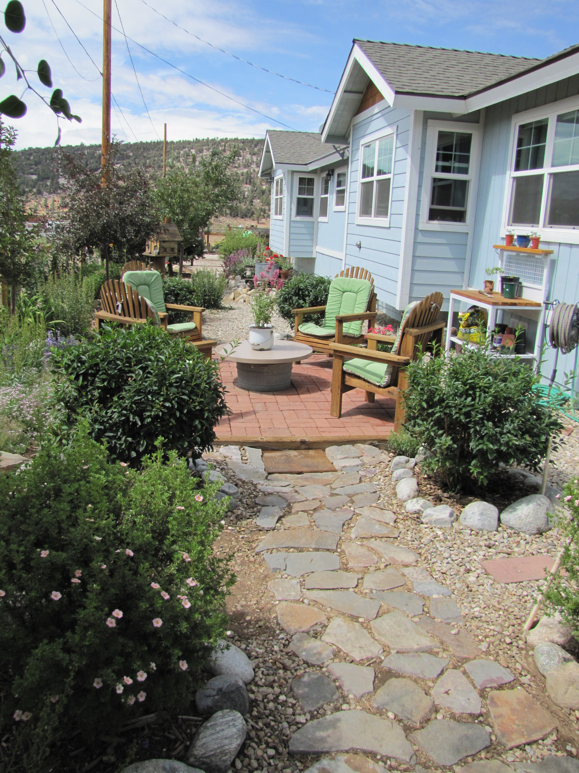 Big bear lake dept of water power ca xeriscape for Xeriscape garden designs